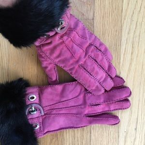 Coach fuschia leather gloves w fur wrist
